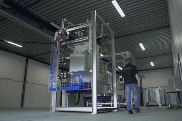 Dinnissen innovatie integreert high-care filling met low-care palletizing